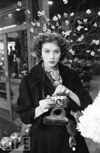 Suzy Parker vintage 50s model fashion camera life magazine
